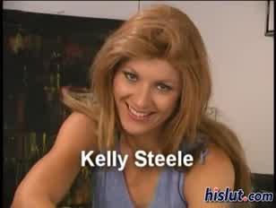 Kelly akar egy kis húst